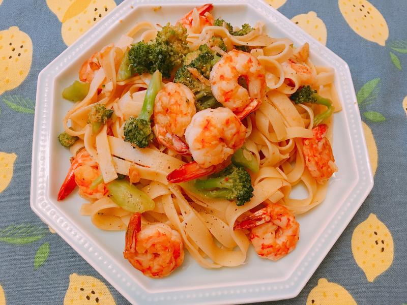 營養好吃~鮮蝦時蔬義大利麵