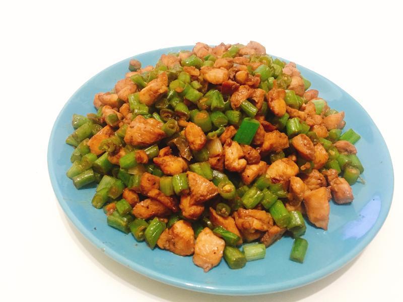 步驟簡單的雞丁四季豆 #拌麵吃也好好吃喔