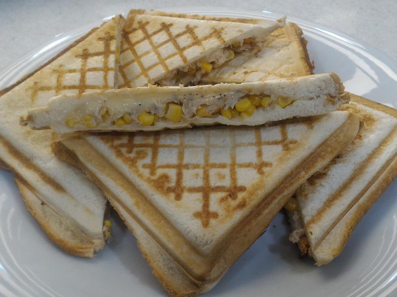 鮪魚玉米起司三明治