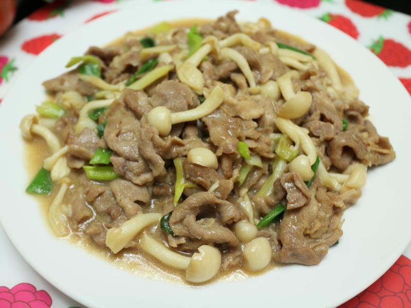 滑菇燴肉片 (((0廚藝ok