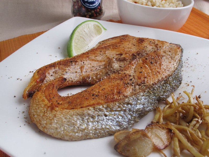 芳雄美食-香煎智利鮭魚片
