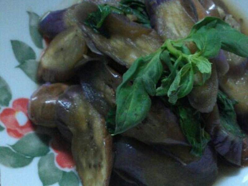 ㄚ曼達的廚房~塔香茄子
