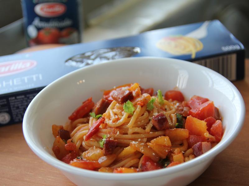 蕃茄鳳梨臘味義大利麵(百味來私房美味)