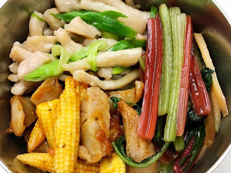 お弁当-170501-蒜苗炒肉絲