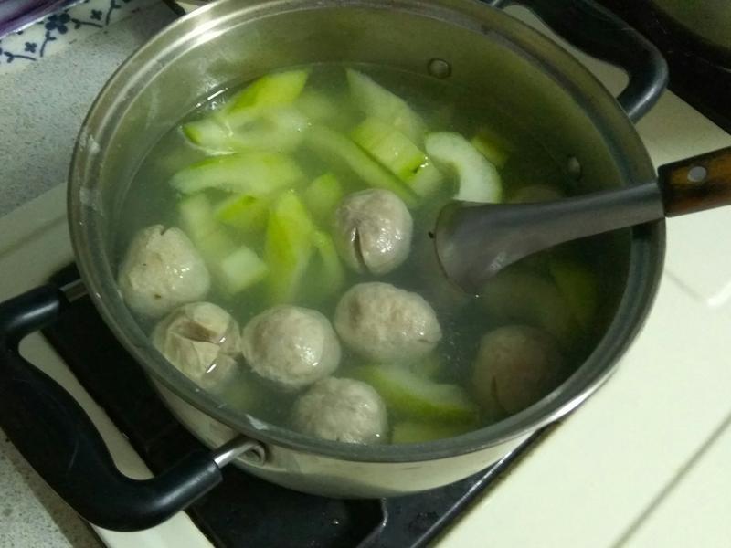 刺瓜(大黃瓜)貢丸湯