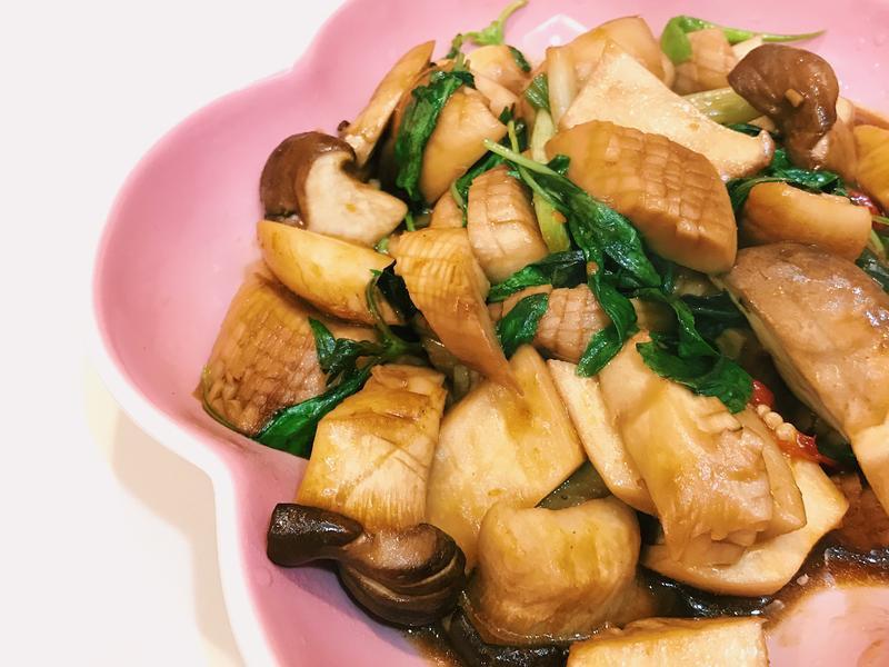 《沙茶炒杏鮑菇》超簡單又下飯!