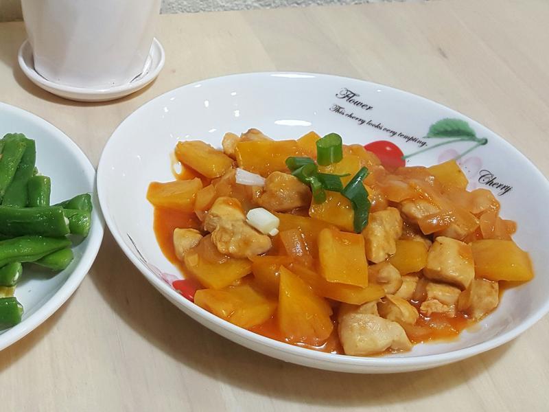 鳳梨糖醋雞丁