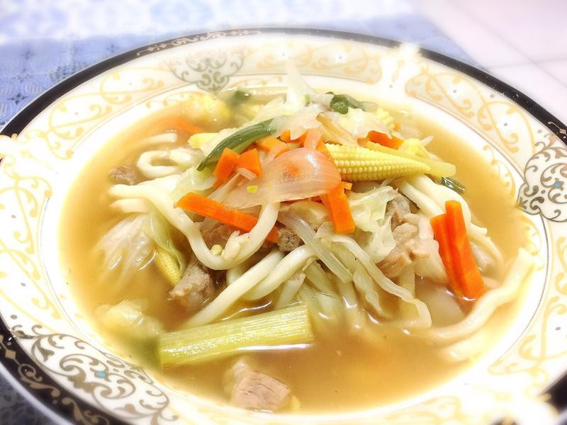 蔬菜烏龍湯麵