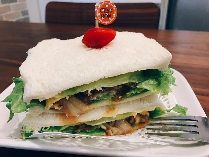 肉味增蛋捲起司三明治