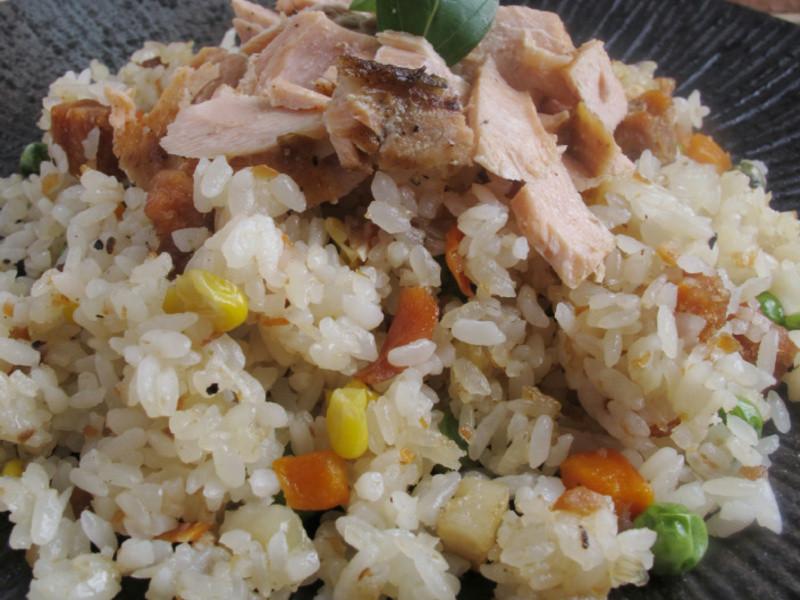 芳雄鮮饌-鮭魚炒飯