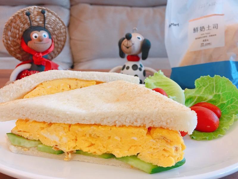 滑嫩厚蛋三明治