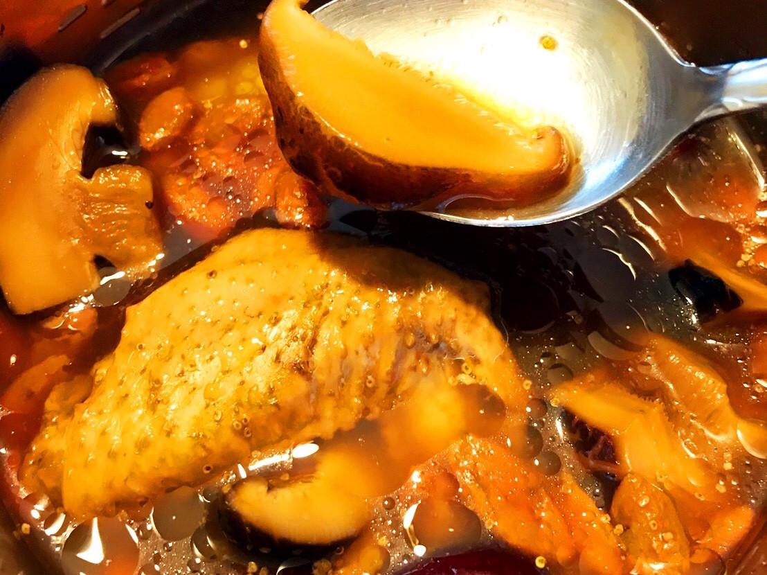 懶人零失手香菇枸杞紅棗雞湯(電鍋)