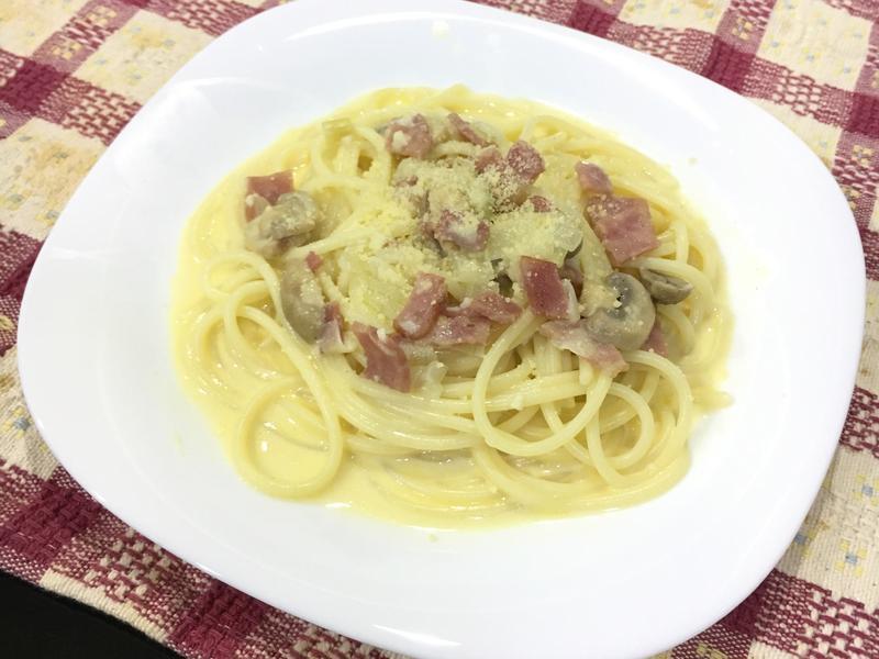 起士白醬培根義大利麵