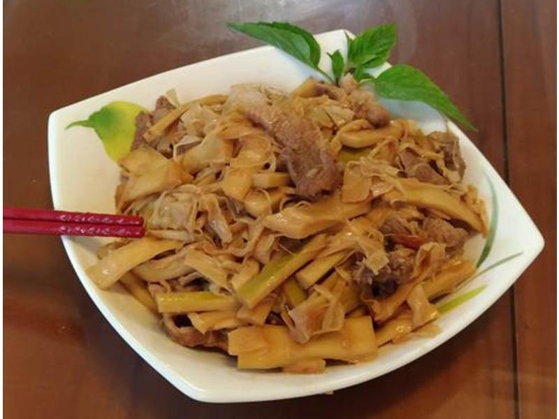 竹筍炒肉絲-台中有機桂竹筍