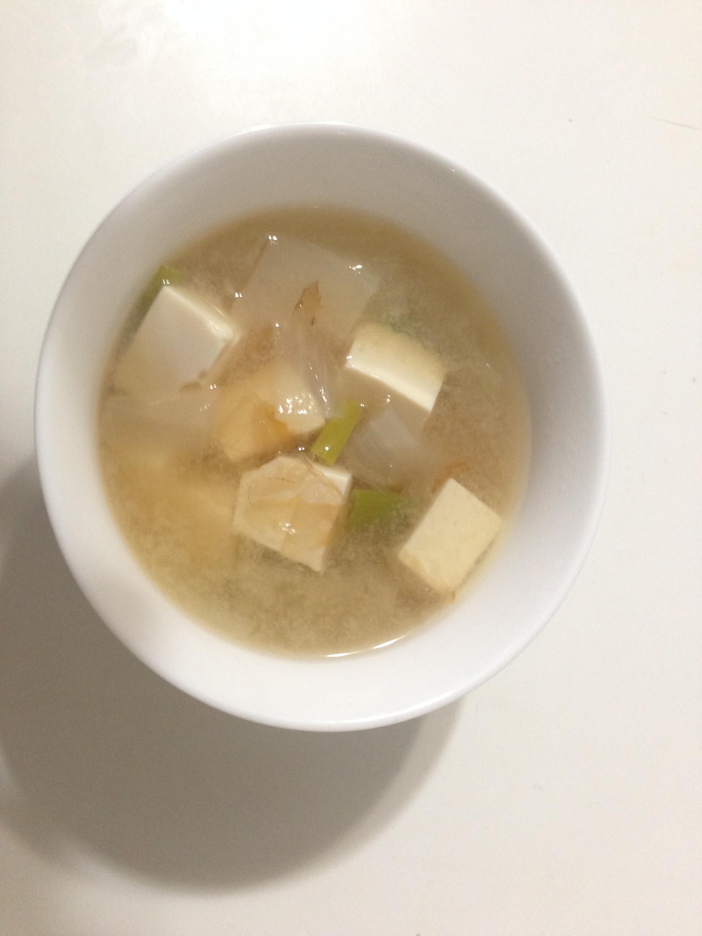 日式醬油鰹魚片味增湯【淬釀全菜單挑戰賽】