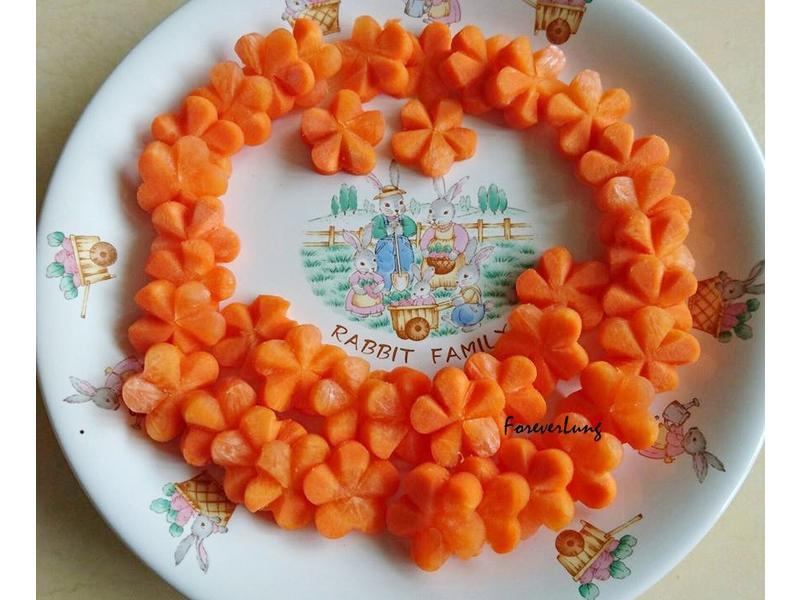 便當菜:胡蘿蔔花,簡單兩步驟