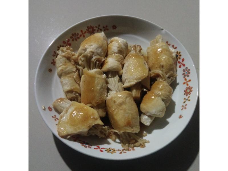 鸡胸肉包金针菇