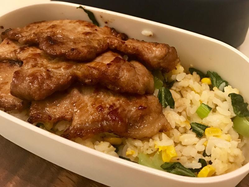 香煎豬排佐上海菜飯餐盒