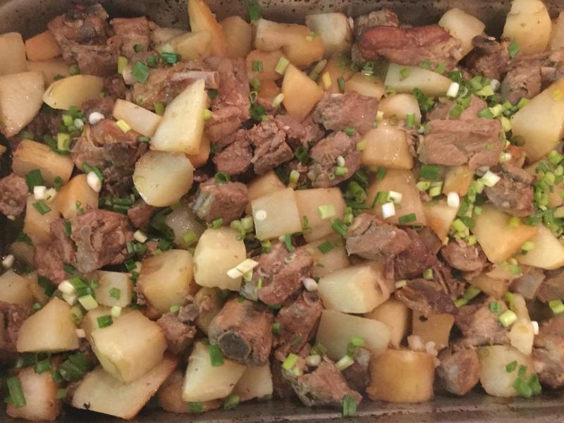 葷菜-土豆烧排骨 (南瓜變化版)