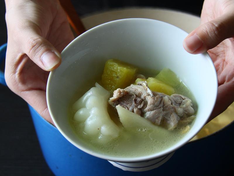酸甜鳳梨苦瓜雞湯
