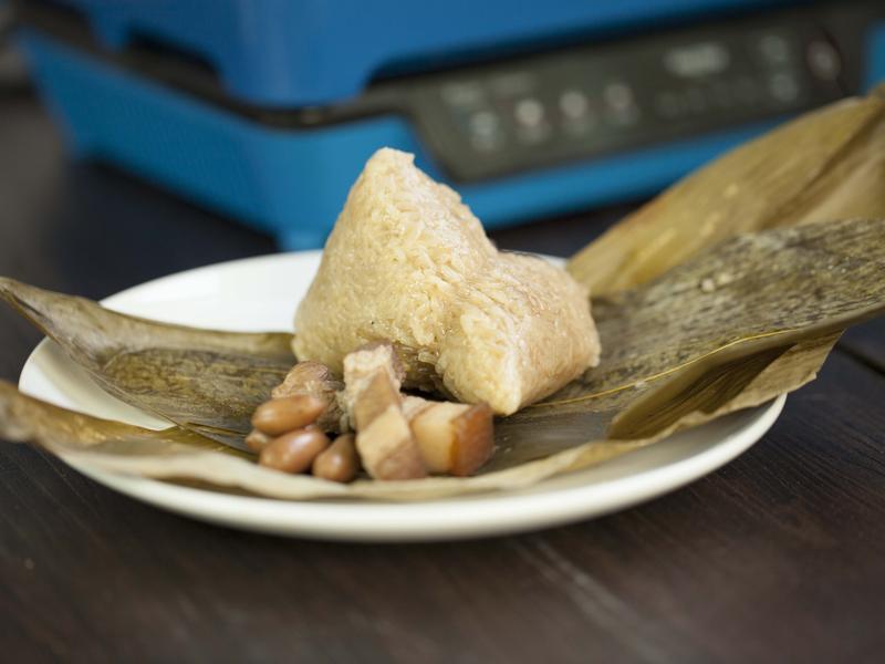 【摩堤 鑄鐵鍋料理】傳統滋味~香菇蛋黃粽