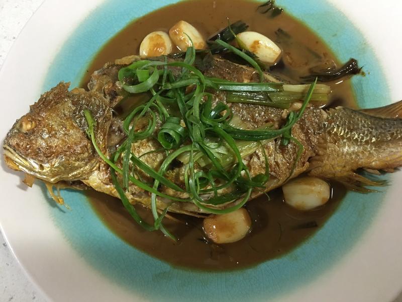 蔥燒蒜香黃魚