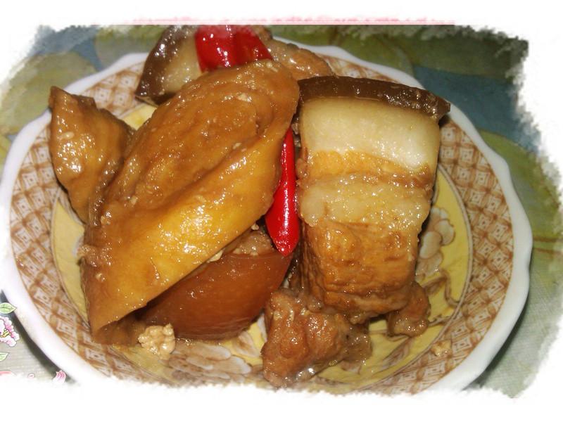 紅糖滷五花肉麵腸