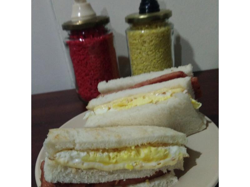 火腿鸡蛋三文治