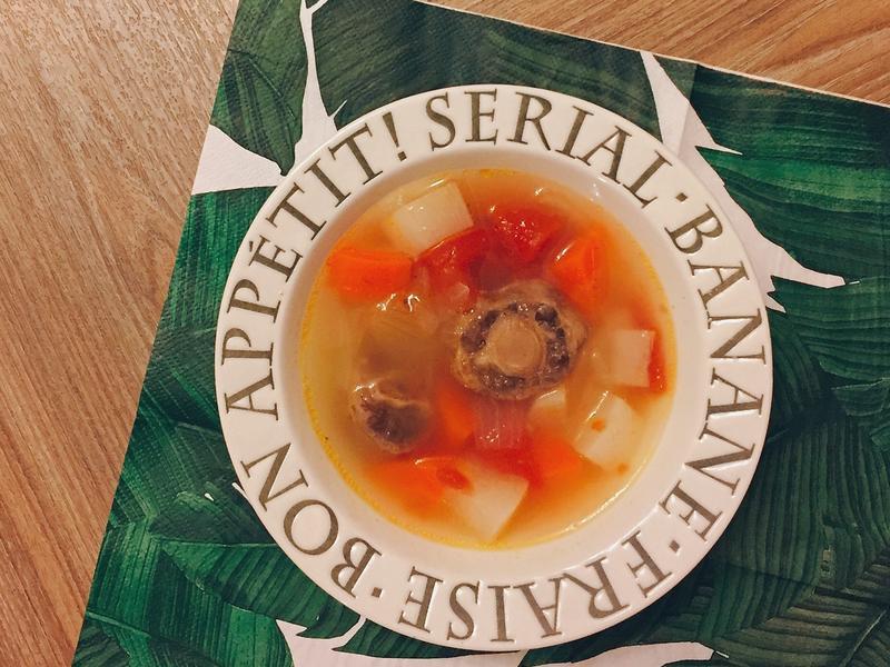 牛尾蔬菜湯