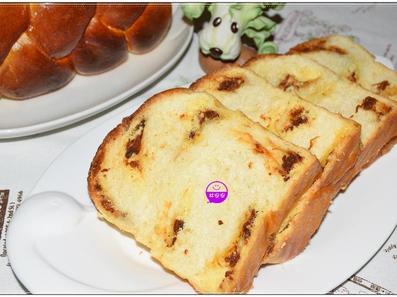 三股麻花辮金牌奶酥肉鬆吐司