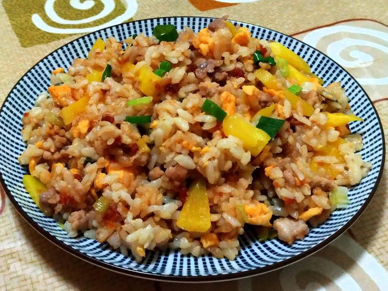 鳳梨肉鬆炒飯