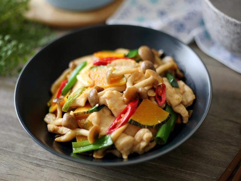 菇菇嫩炒雞片