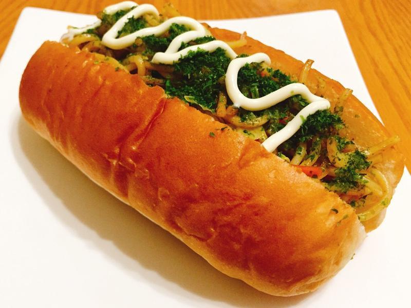 日式炒麵麵包 (焼きそばパン)