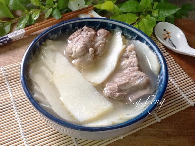 綠竹筍排骨湯
