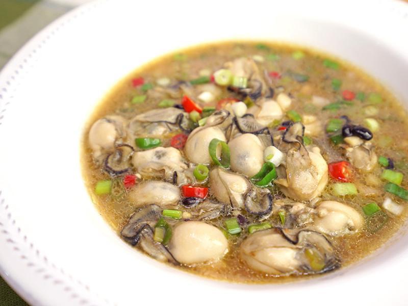 豆豉鮮蚵。好吃到瞬間扒光一碗飯!