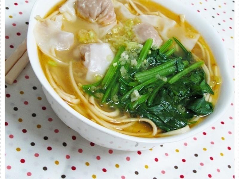 鮮蝦餛飩湯麵