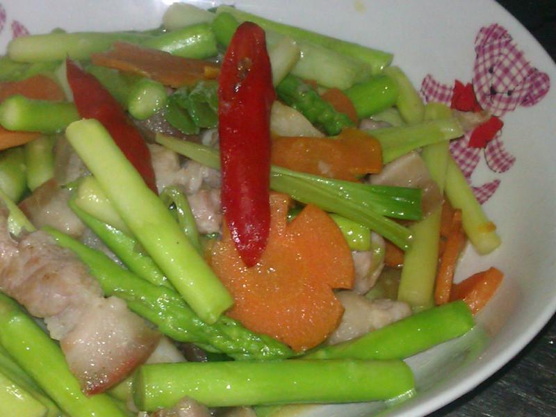 五花肉絲拌炒蘆筍