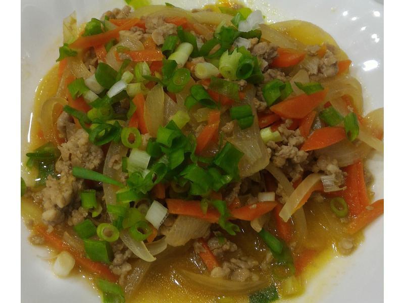 洋蔥胡蘿蔔炒豬肉(淬釀全菜單挑戰賽)