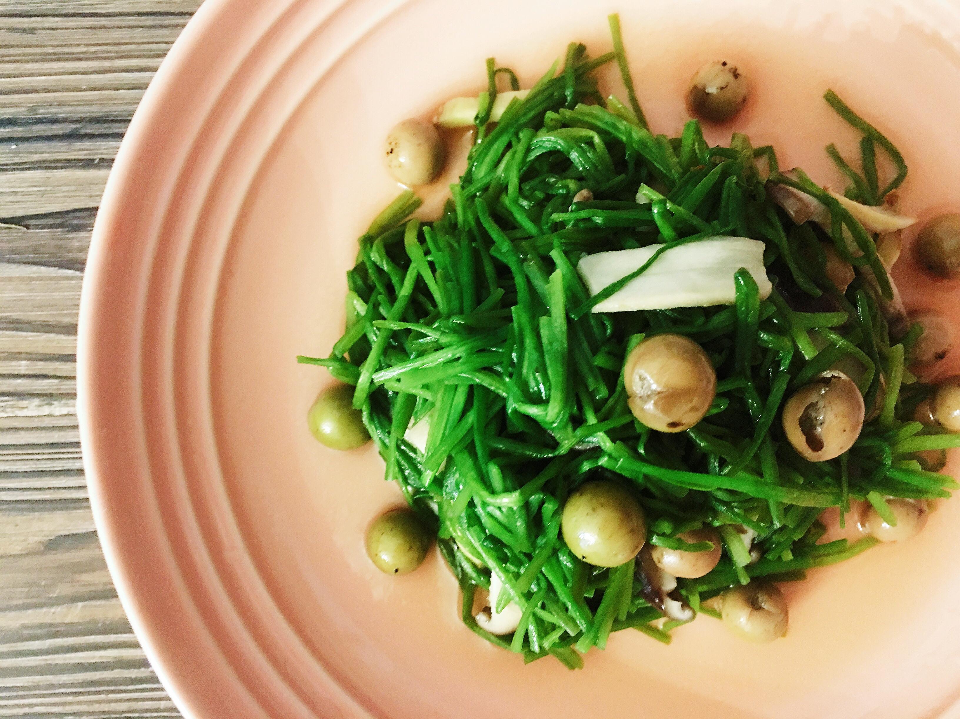 [5分鐘簡單料理]香菇破布子炒水蓮