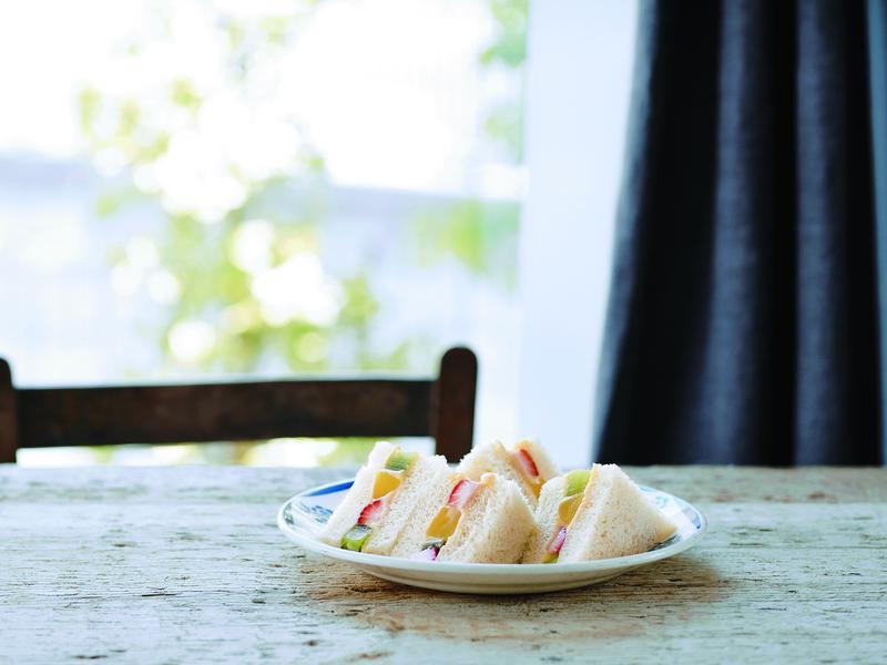 東販小食堂:水果卡士達三明治