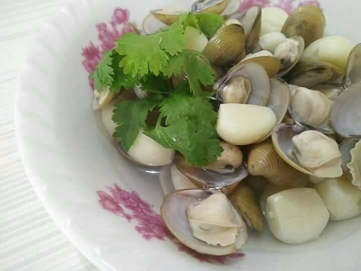 蒜頭黃金蜆湯【豆豆愛的料理】