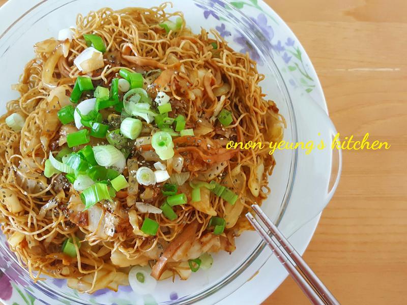 簡易(港式)高麗菜培根炒麵