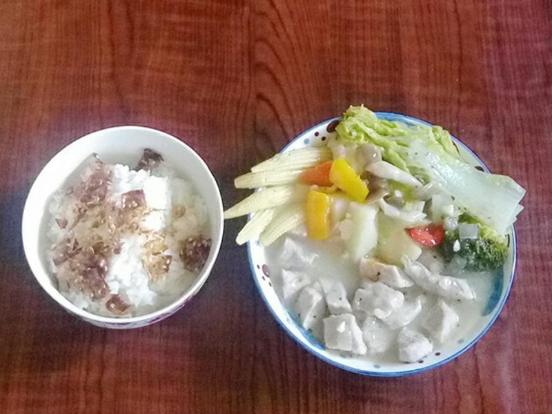 蒜香奶油燉肉佐食蔬