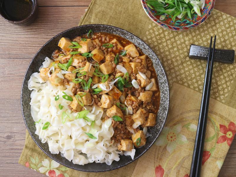 麻婆豆腐拌麵