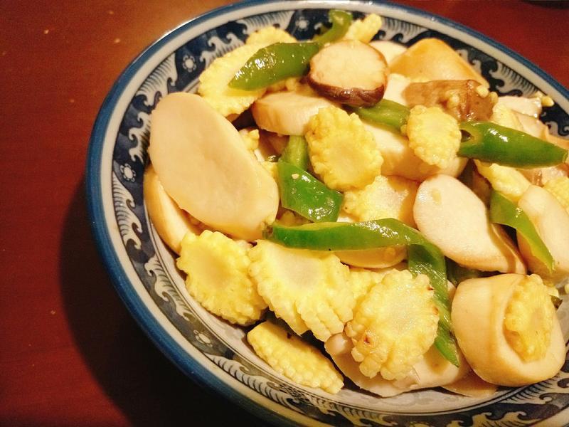 尖椒粟米芯炒雞脾菇
