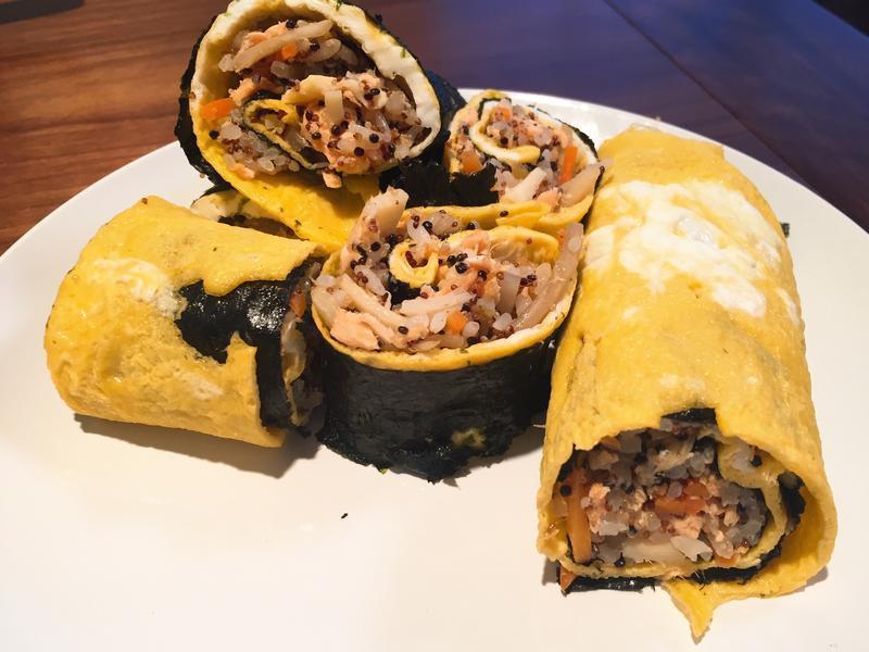 低卡料理日記Day4 蛋包鮭魚藜麥飯卷
