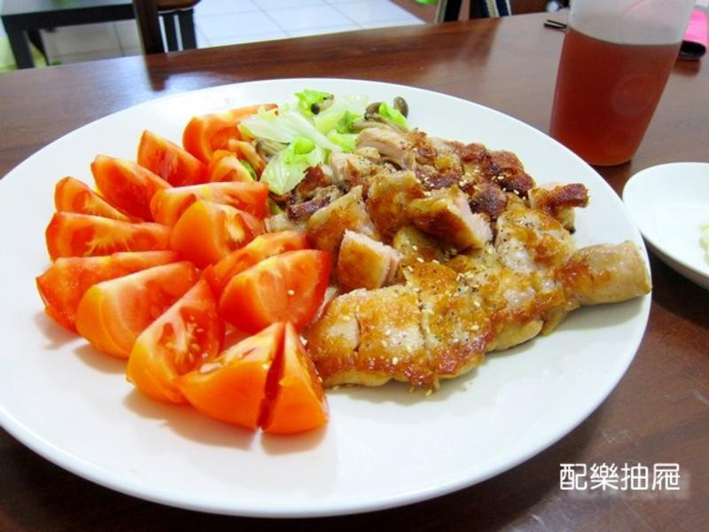 鮮蔬雞腿大盤餐