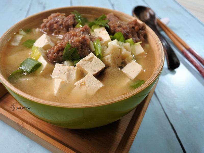 味噌豆腐排骨酥湯