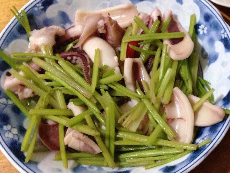 芹菜炒花枝🌶️