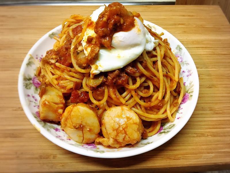 干貝義大利肉醬麵